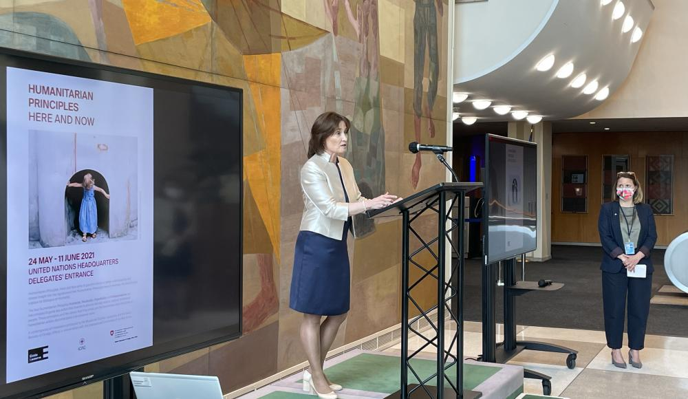 """Ambassador Pascale Baeriswyl opens the inauguration ceremony of the exhibition """"Humanitarian Principles. Here and Now""""."""
